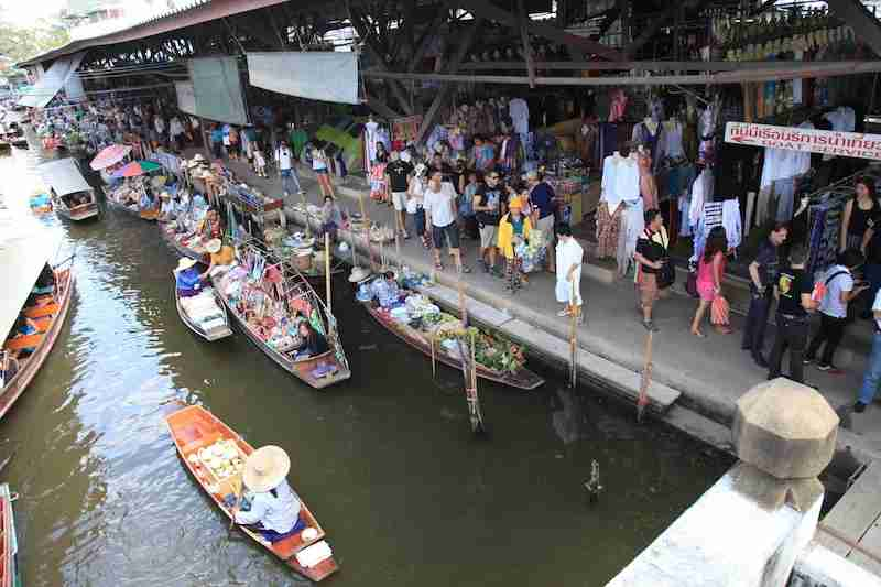 Damnoen Saduak Floating Market attracts locals and a whole lot of tourists -- and it