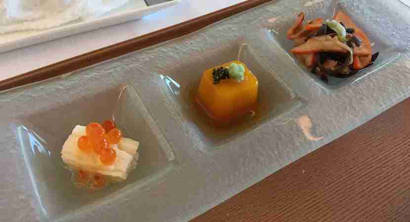 Elegant mouthfuls in the sakizuke course whetted my appetite.