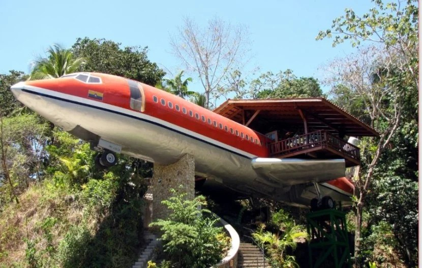 Costa Rica's Costa Verde Hotel offers you the chance to sleep in a vintage Boeing aircraft.