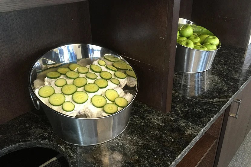 Cold towels dotted with cucumbers make for a fancy, spa-like touch.