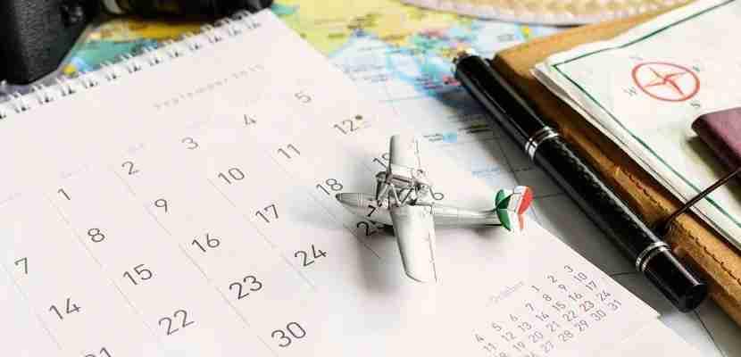 Calendar travel planner schedule featured shutterstock 287916683