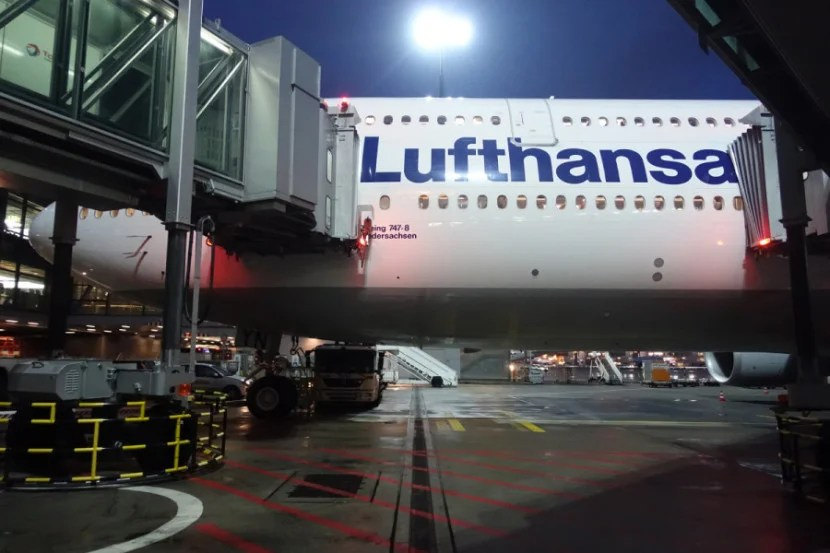 Outside Lufthansa's 747-8.
