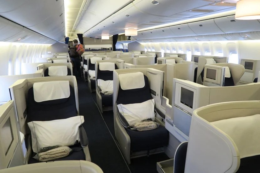The quite-large 777-200 Club World cabin was mostly filled this flight.