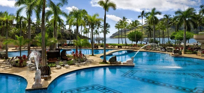 Enjoy a two-night stay at the Kauai Marriott Resort with the current 80,000-point sign-up bonus.
