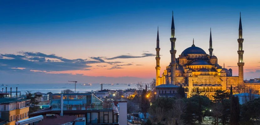 5 Reasons to Visit Istanbul This Fall