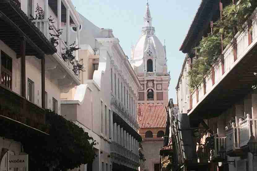 A glimpse of Santo Domingo Church in Old Town Cartagena.