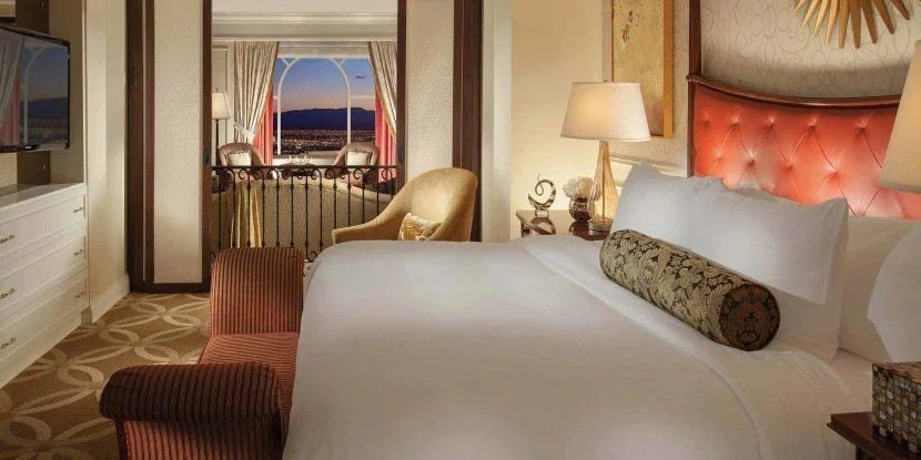 Spread out in a spacious Las Vegas suite... Image courtesy of The Venetian.