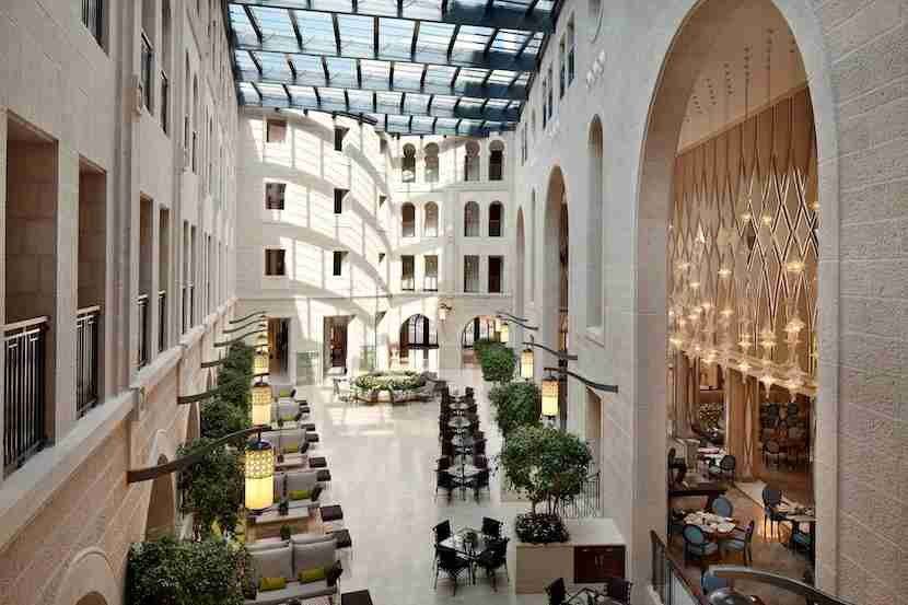 The recently revamped Waldorf Astoria Jerusalem maintains elements of its past for a modernized version of the historic building. Image courtesy of the Waldorf Astoria Jerusalem.