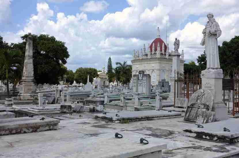 Here, we heard stories of some of the more famous Cuban people who were buried in this cemetery since in 1876.