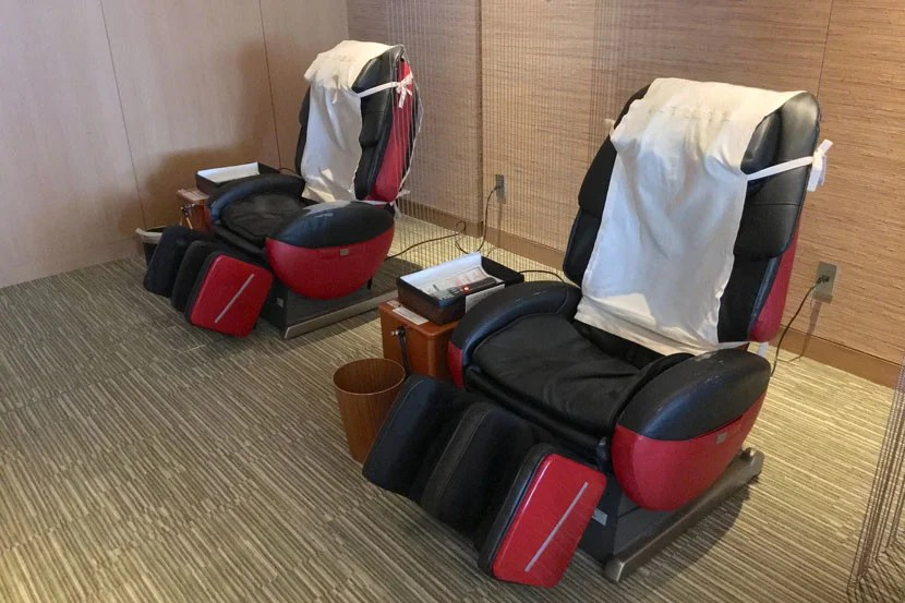 Terrible dilemma: Sake or massage chair (or one, then the other).