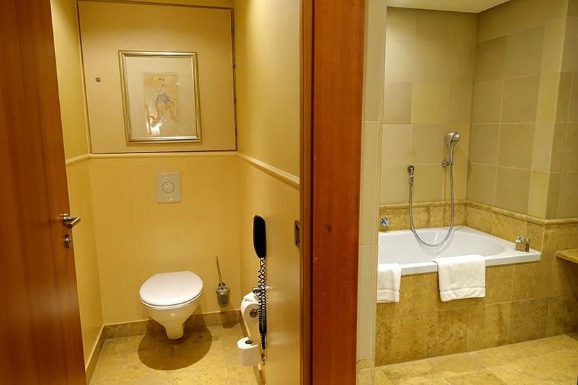PHHbathroom1