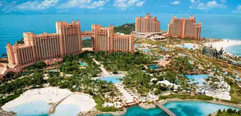 Atlantis is the biggest hotel in the Bahamas. Image courtesy of Atlantis Resort.