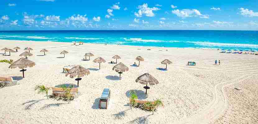 Fly from New Orleans to Cancun. Image courtesy of Shutterstock.