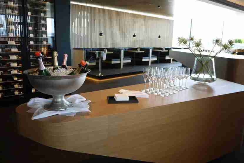 Wine in the Swiss First Lounge