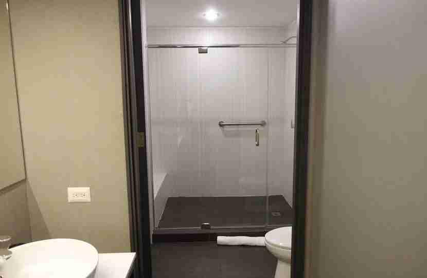 Aloft-Bathroom