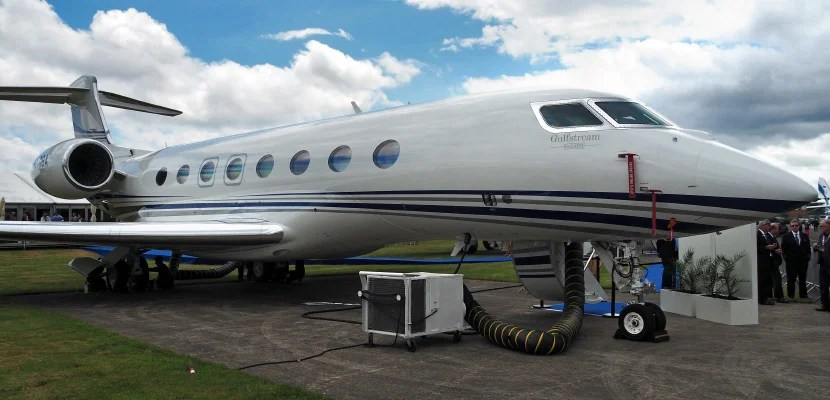 Inside the gulfstream g650 business jet for Large cabin business jets