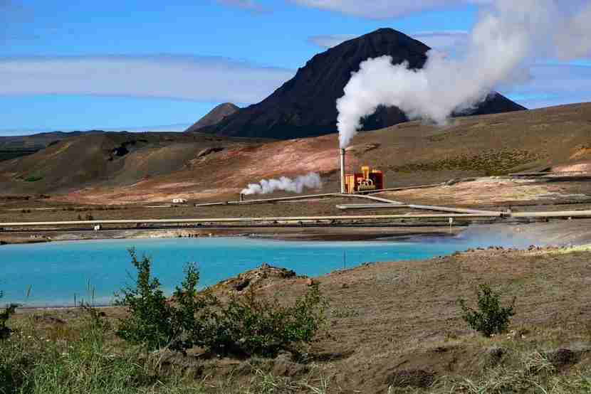 A geothermal plant in Iceland. Image courtesy of Shutterstock.