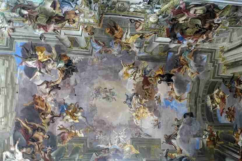 Count saints on the ceiling at Sant