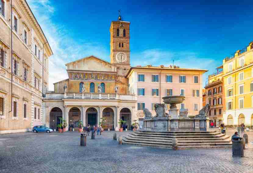 The Santa Maria de Trastevere Church is gorgeous, and you won