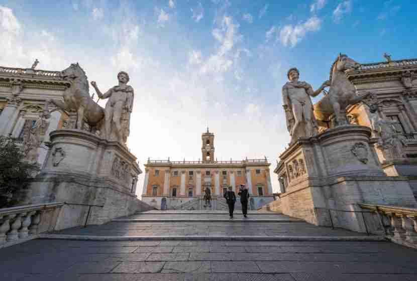 "Rome is a hilly city. Image courtesy of <a href=""http://www.shutterstock.com/dl2_lim.mhtml?src=Nz3bclVi5y5L-2F07Jdfjg-1-11&amp;id=443314405&amp;size=medium_jpg"">Shutterstock</a>."