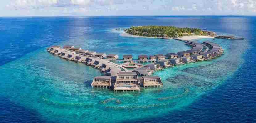 You can use Starpoints to stay at the all-new St. Regis Maldives. Image courtesy of Starwood.