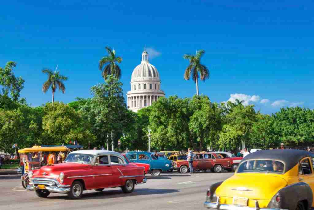 Alaska Airlines will be the first commercial airline to offer direct flights from the West Coast to Cuba. Image courtesy of Getty Images.