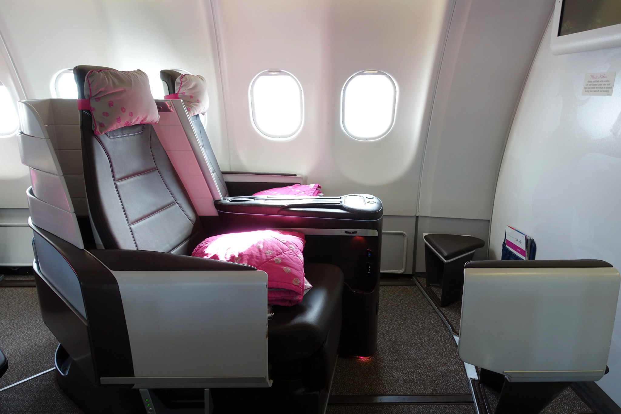 Fine Review Hawaiian Airlines A330 First Class From Jfk To Hnl Ibusinesslaw Wood Chair Design Ideas Ibusinesslaworg