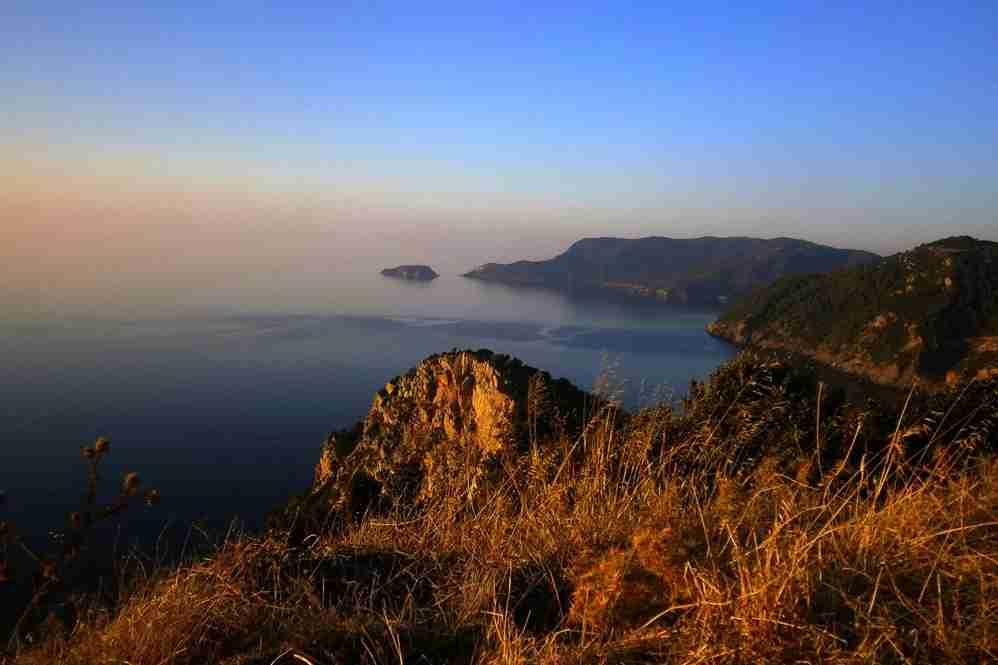 The island of Alonissos. Image courtesy of Karen Eliot via Flickr.