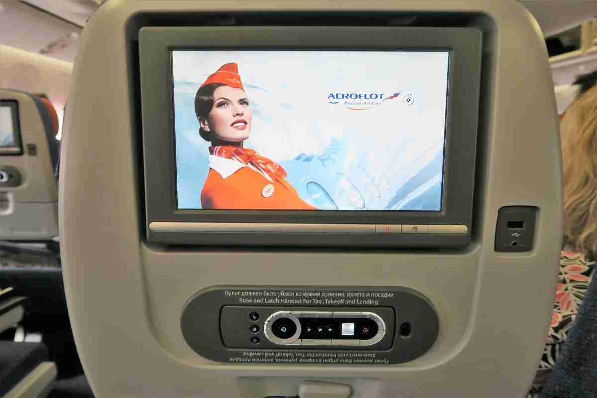 Aeroflot 77W IFE screen, remote and charging