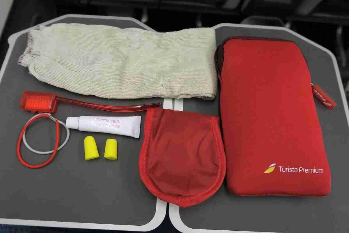 Iberia A340-600 premium economy amenity kit contents