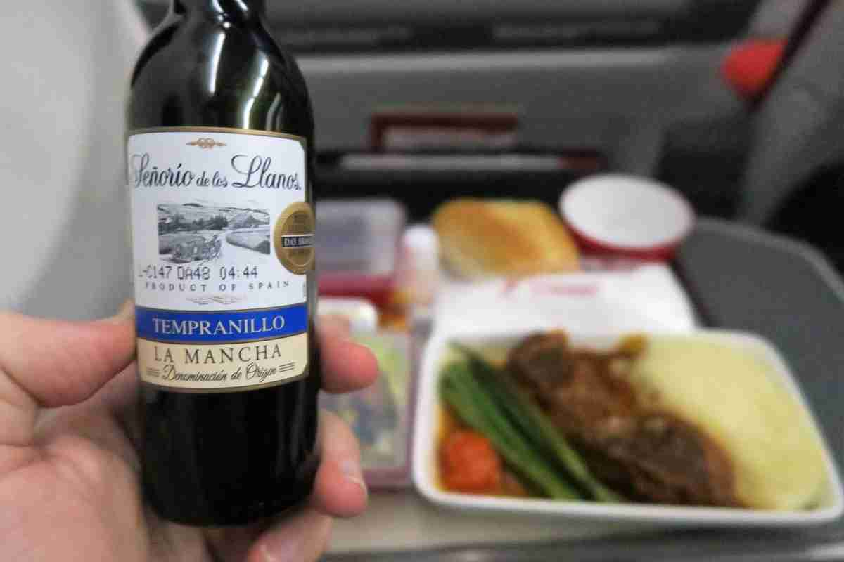 Iberia A340-600 premium economy wine