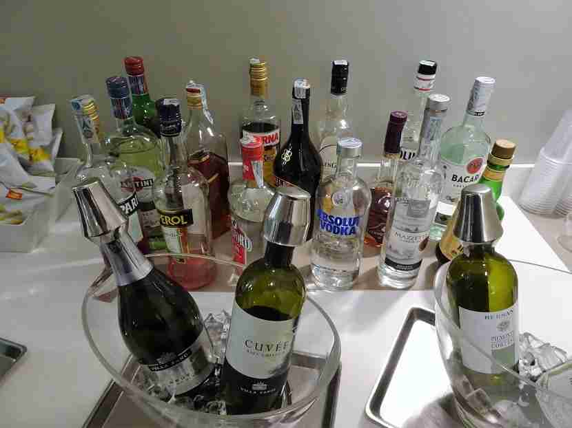 Wines (red, white and sparkling) and liquors from Italy and abroad.