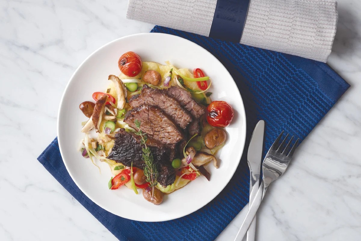 United Boosts Transcon Service Adds Meals In Economy Plus