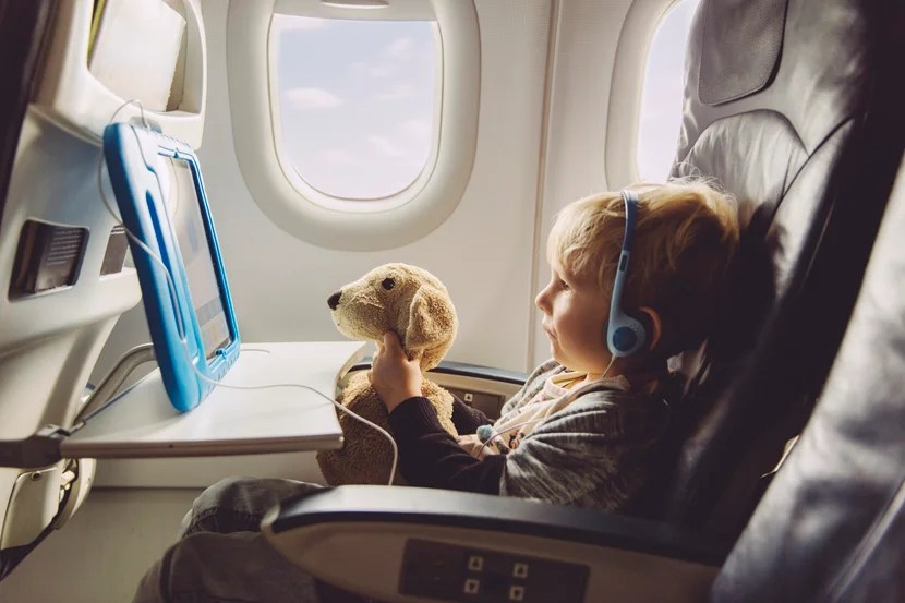 10 Tips for Surviving Long Haul Flights With Kids