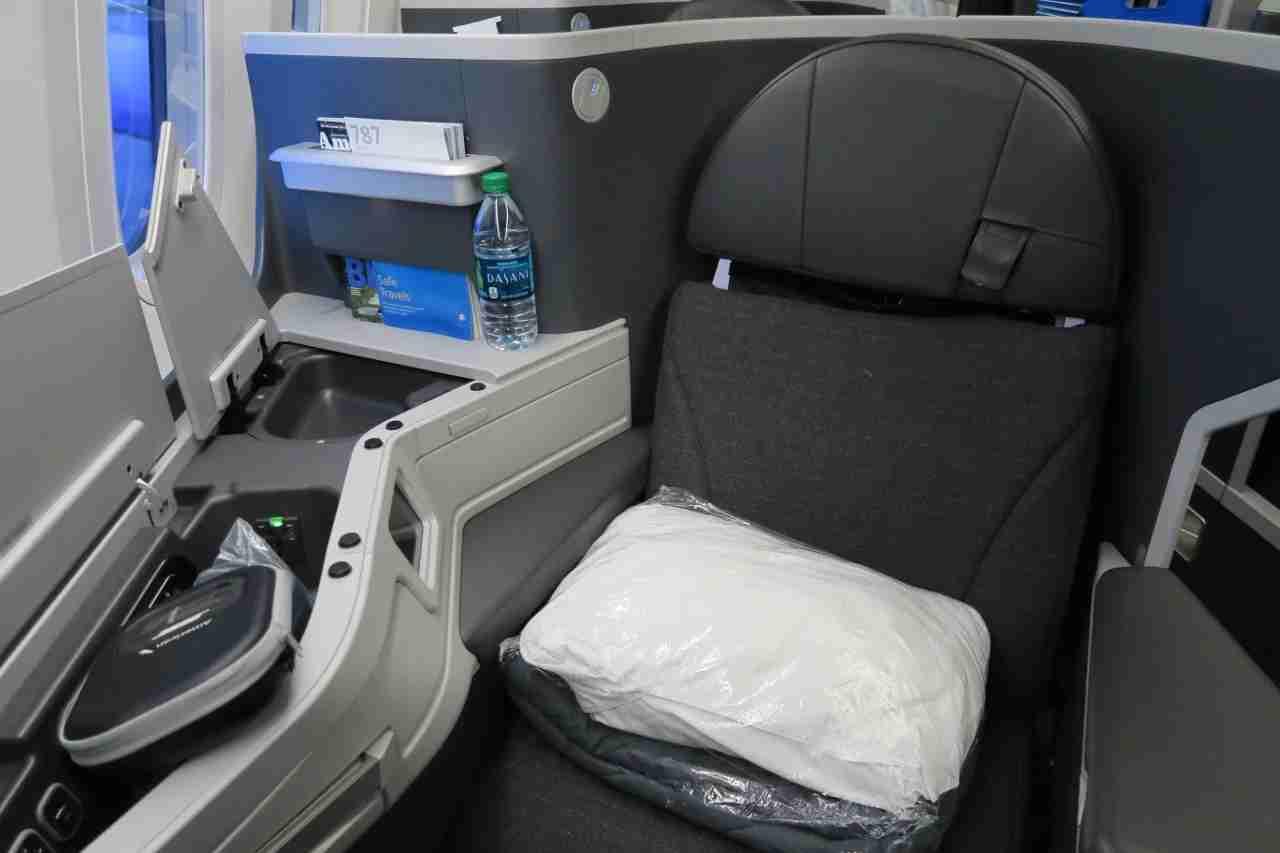 aa787-9_business_seat