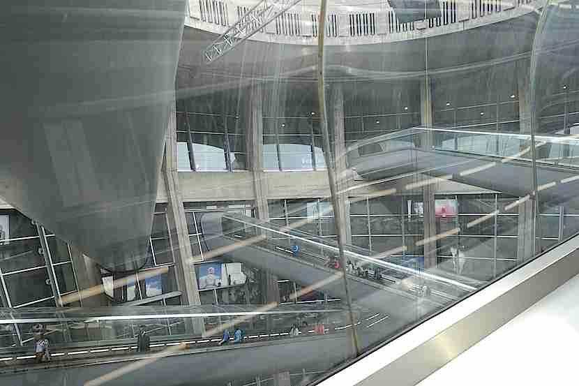 CDG Terminal 1 escalators 2