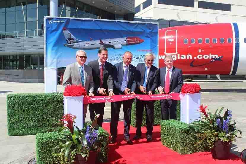 IMG Norwegian Air Boeing 737 MAX 8 ceremony