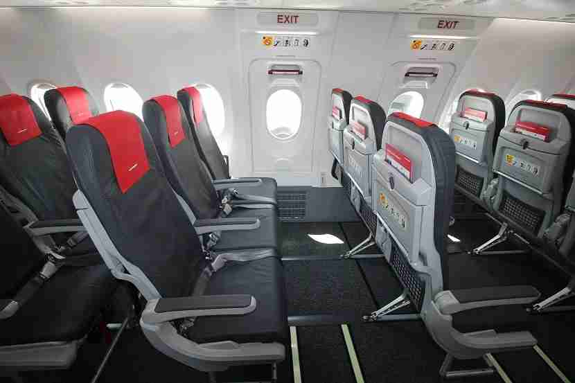IMG Norwegian Air Boeing 737 MAX 8 exit row