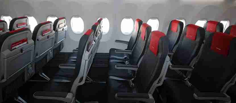 IMG Norwegian Air Boeing 737 MAX 8 seats pitch