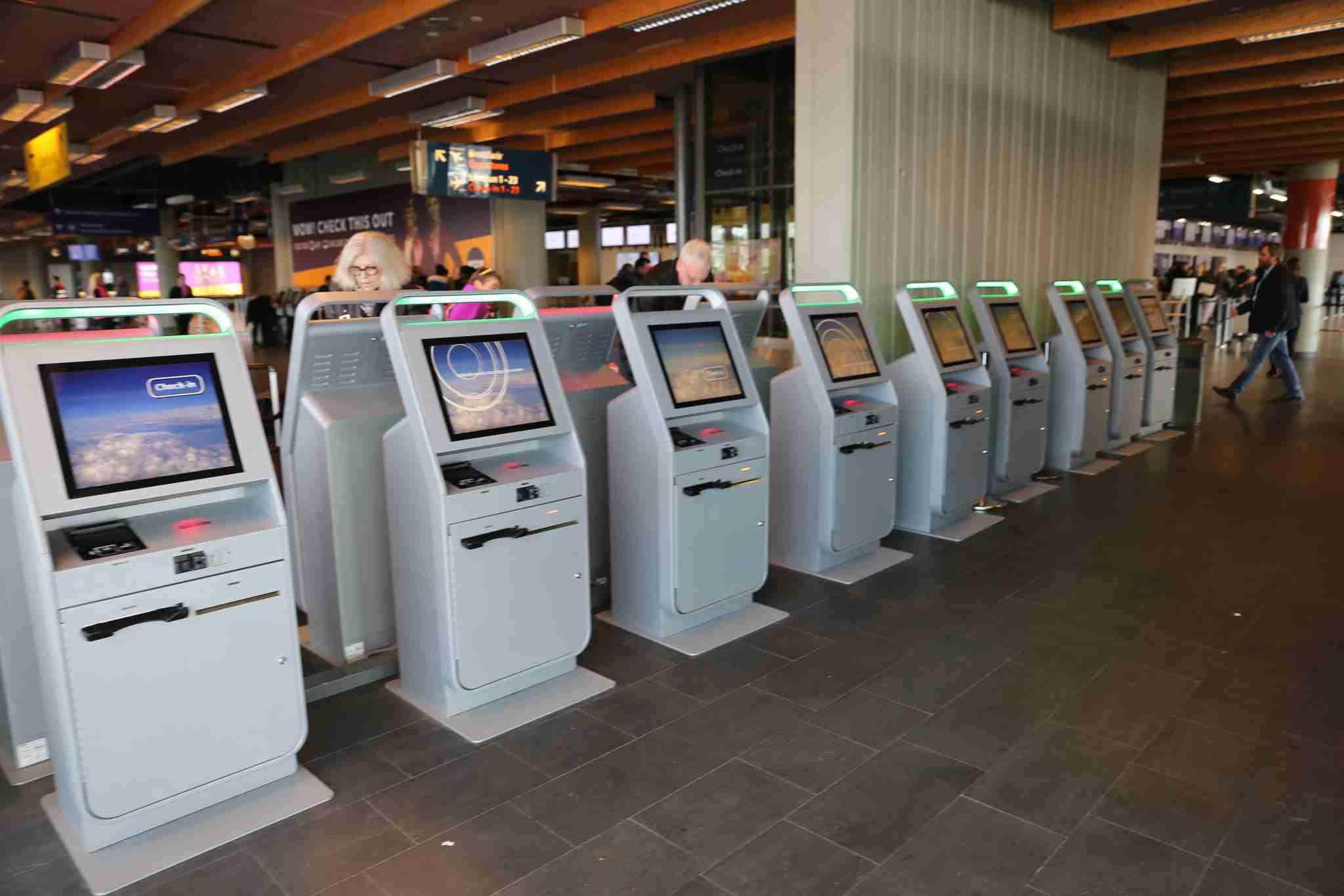 Reykjavik airport check in (KEF)