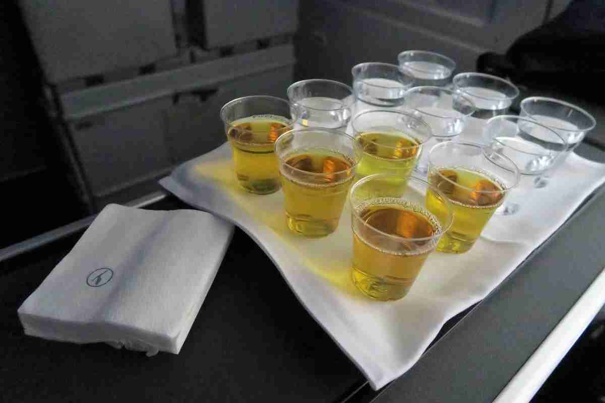 Lufthansa 747-8 748 business class IAD-FRA galley drinks