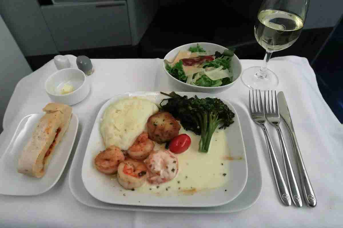 Lufthansa 747-8 748 business class IAD-FRA main course