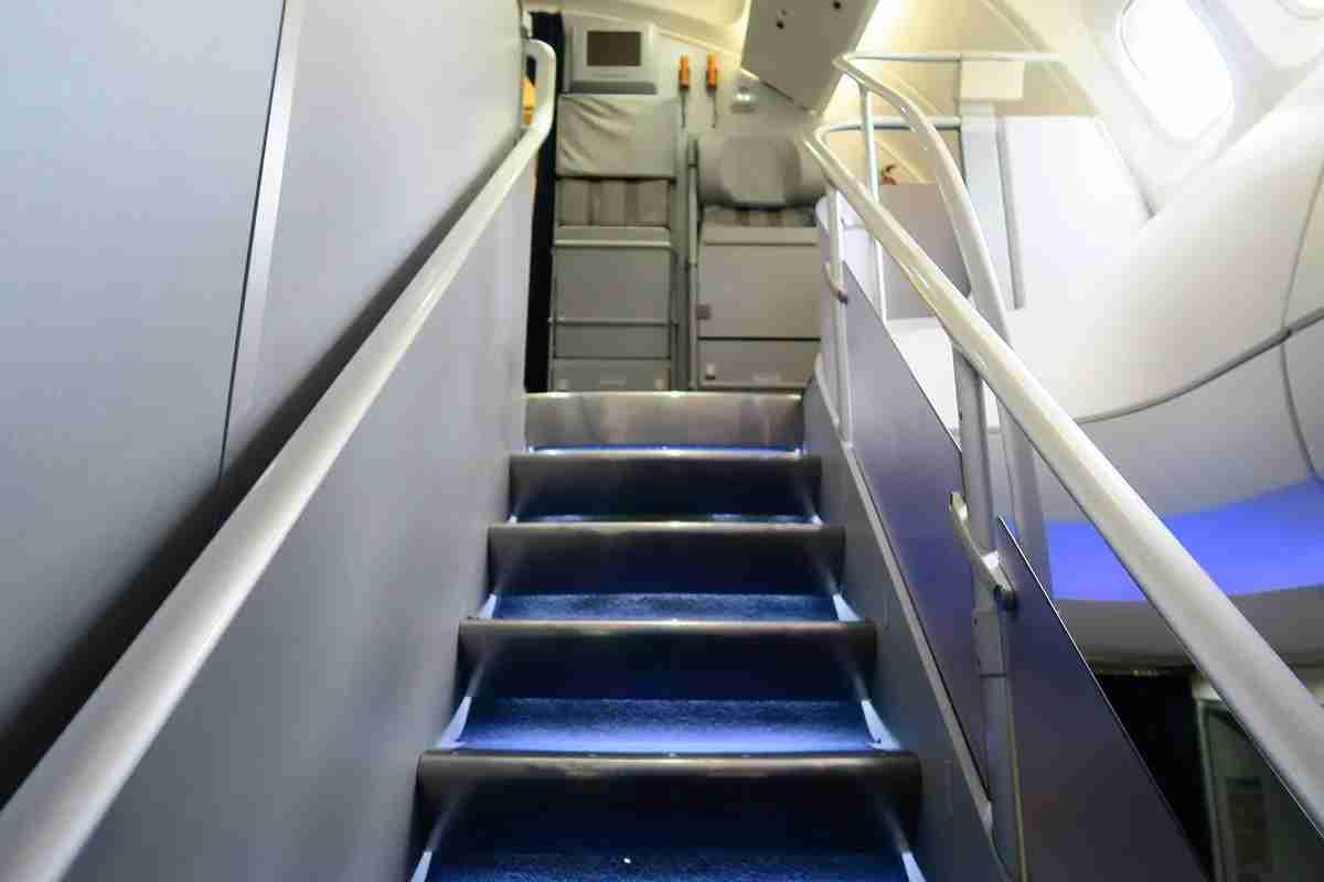 Lufthansa 747-8 748 stairs