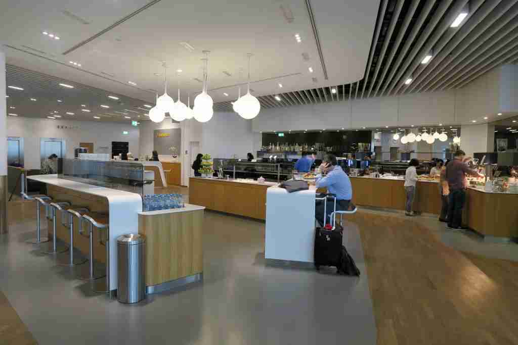Lufthansa Busines Class Lounge FRA Frankfurt - dining area