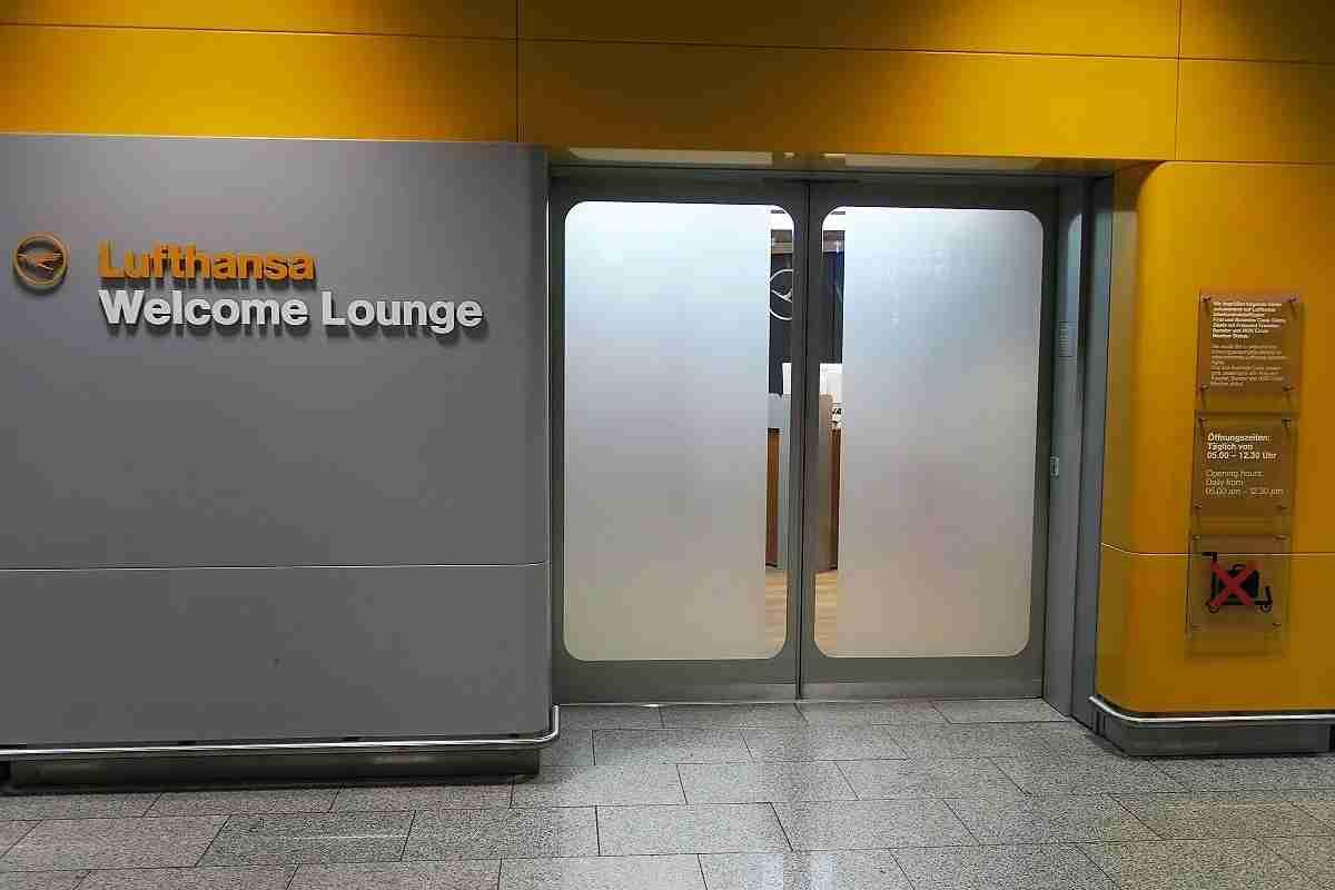 Lufthansa FRA Frankfurt Arrivals Lounge entrance