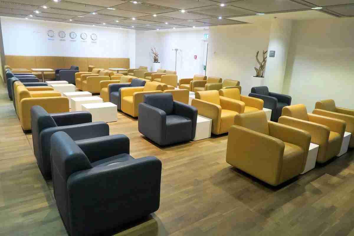 Lufthansa FRA Frankfurt Arrivals Lounge sitting area