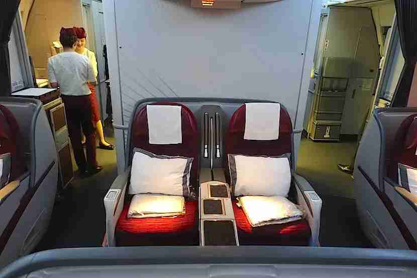 Qatar 777 center seats 2