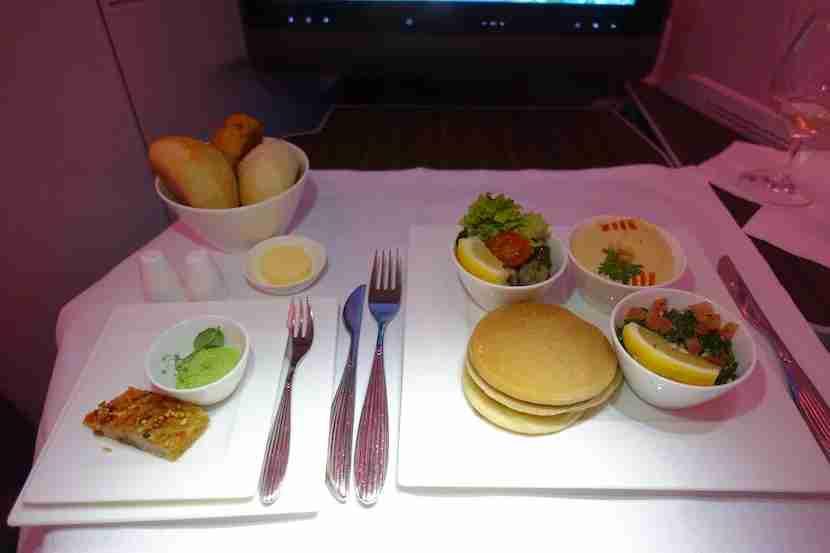 Qatar A350 mezze