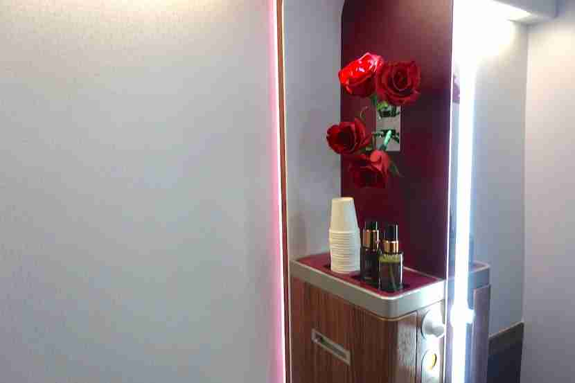 Qatar lav soap roses