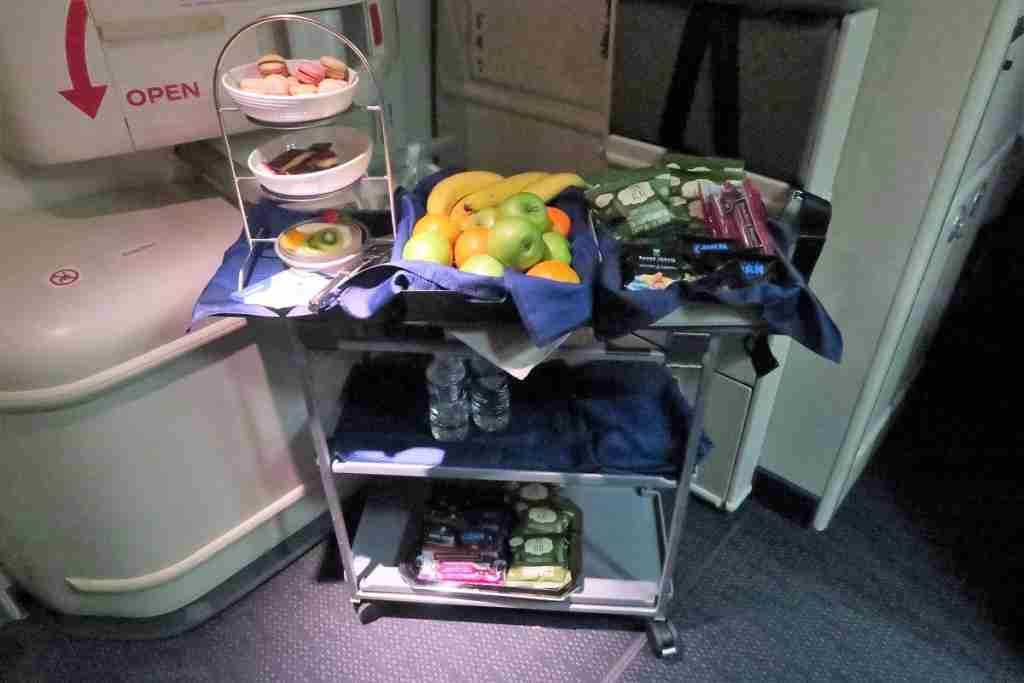 United 777 Polaris Business FRA-IAD snack tray